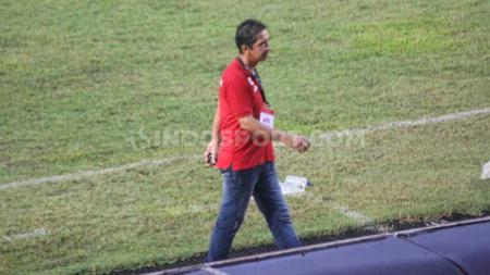 Eks Pelatih Persipura Jayapura, Luciano Leandro mengaku masih percaya kariernya di dunia sepak bola masih bisa bersinar. - INDOSPORT