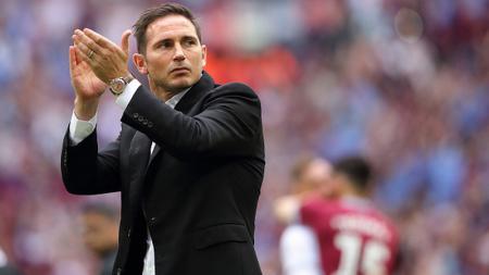 Frank Lampard ingin para pemain Chelsea waspada menghadapi Liverpool di ajang Piala Super Eropa 2019. Matthew Ashton - AMA/Getty Images. - INDOSPORT