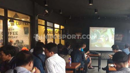 Kualifikasi IENC Ragional Jakarta Cabang Esport Mobile Legends, Warunk Upnormal Fatmawati. - INDOSPORT