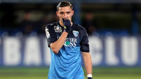 Pemain pinjaman Empoli dari Arsenal, Ismael Bennacer yang menjadi incaran AC Milan. - INDOSPORT