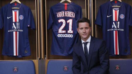 Ander Herrera, saat diperkenalkan sebagai pemain baru Paris Saint-Germain - INDOSPORT