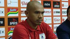 Indosport - Eks Timnas Indonesia, Ricardo Salampessy mengaku siap habis-habisan di laga Kalteng Putra vs Persipura Jayapura dalam Liga 1 2019.