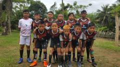 Indosport - Pemain Bank Sulselbar FC yang menjadi wakil Sulsel di Putaran Nasional Piala Menpora U-12.