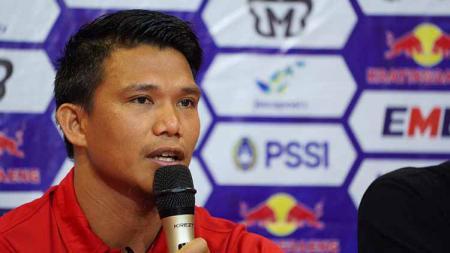 Gelandang Persija Jakarta, Sandi Darma Sute, mengamuk saat laga kontra Borneo FC di kompetisi Liga 1 2020. - INDOSPORT