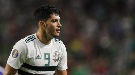Raksasa Serie A Liga Italia, Juventus, dikabarkan siap menumbalkan dua pemain hanya demi memboyong bintang Meksiko yang tengah membela Wolverhampton Wanderers. - INDOSPORT