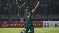 Indosport - Eks bomber Persebaya Surabaya, Amido Balde, pasrah bila gajinya di klub Vietnam harus dipotong karena pandemi virus corona.
