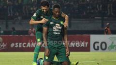 Indosport - Setelah dibuang Persebaya Surabaya dan PSM Makassar, Amido Balde justru tampil ganas di lini depan Ho Chi Minh City dalam ajang Piala AFC 2020.