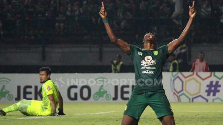 Selebrasi Amido Balde usai cetak gol gawang Persib Bandung laga Liga 1 pekan ke-7. - INDOSPORT