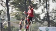 Indosport - Selebrasi penggawa Bali United U-18 saat mencetak gol pada seri pertama Elite Pro Academy Liga 1 U-18 2019. Foto: Official Bali United