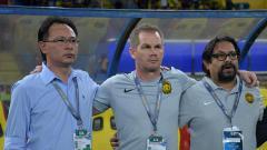 Indosport - Pelatih Timnas Malaysia U-19, Brad Maloney (tengah).