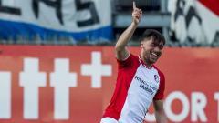 Indosport - Keziah Veendorp melakukan selebrasi pada laga saat melawan FC Utrecht di De Oude Meerdijk (20/04/19). VI Images via Getty Images