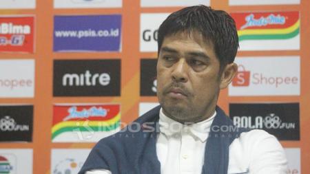 Pelatih Persela Lamongan, Nilmaizar. - INDOSPORT