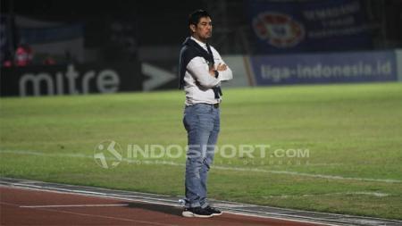 Pelatih Persela, Nilmaizar berhasrat mencuri 3 poin saat melawan tuan rumah Borneo FC pada pekan ketiga Liga 1 2020 di Stadion Segiri, Samarinda, Jumat (13/03/20). - INDOSPORT
