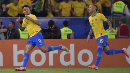 Gabriel Jesus merayakan gol ke gawang Peru di final Copa America 2019, Senin (08/07/19), di Maracana - INDOSPORT