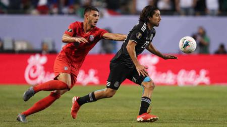 Bursa transfer masih lama, AC Milan sudah mengincar pemain murah asal Meksiko, Rodolfo Pizarro. - INDOSPORT