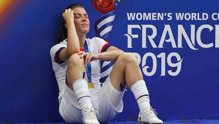 Kelley O'Hara sesaat setelah memenangkan laga melawan Belanda di Piala Dunia Wanita 2019 (07/07/19). Daniela Porcelli/Getty Images