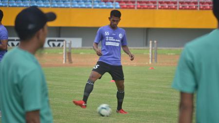 Pemain Sriwijaya FC, Rahmad Juliandri berawal dari pemain basket hingga bisa main bareng idola sepak bola. - INDOSPORT