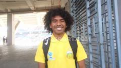 Indosport - Ichwan Tuharea, pesepakbola muda Indonesia yang sedang membela Bhayangkara FC U-20.