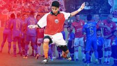Indosport - Debut Bambang Pamungkas di Persija, saat melawan Persib. Foto: tabliod bola/Simamaung