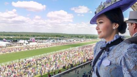 Penampilan Maia Estianty saat menghadiri balapan kuda Royal Ascot. - INDOSPORT