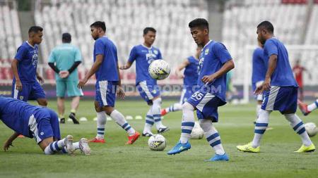Official Training tim Persib Bandung jelang laga lanjutan Liga 1 melawan Persija Jakarta di Stadion GBK, Jakarta, Selasa (09/07/19). Herry Ibrahim/INDOSPORT - INDOSPORT