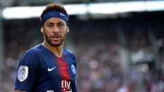 Indosport - Striker PSG, Neymar saat melawan Angers SCO di Stade Raymond Kopa.