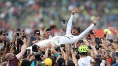 Indosport - Lewis Hamilton meraih juara GP Inggris 2018
