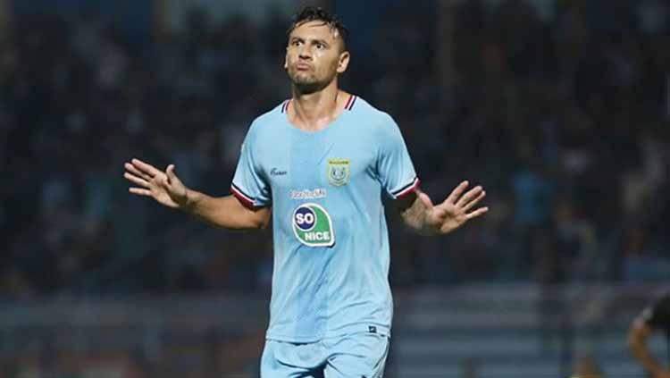 Striker Persela Lamongan Alex dos Santos Goncalves di Liga 1 2019. Foto: Instagram@perselafc Copyright: Instagram@perselafc