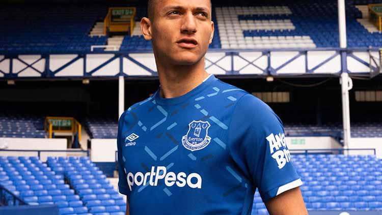Jersey Home Everton 2019/20 Copyright: fourfourtwo