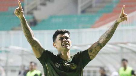 Ciro Alves tengah diincar oleh banyak klub lantaran sudah mencetak 11 gol di Liga 1 2019. - INDOSPORT