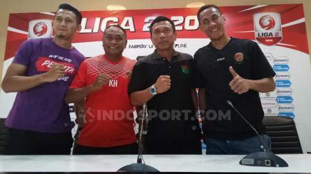 Pelatih Sriwijaya FC, Kas Hartadi, dan pelatih Persita Tangerang, Widodo Cahyono Putro dalam jumpa pers Sriwijaya FC vs Persita Tangerang - INDOSPORT