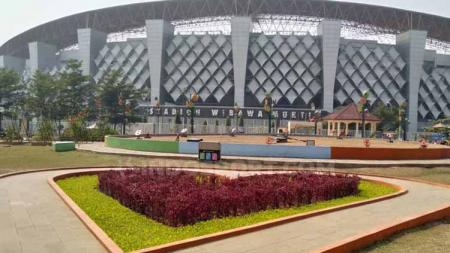 Taman Sehati, taman indah dengan ukuran cukup luas yang berlokasi tepat di depan stadion tempat seleksi para Timnas Indonesia, yakni Stadion Wibawa Mukti, Cikarang, Jawa Barat. - INDOSPORT