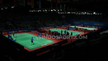 Para peserta Indonesia Open 2019 tengah uji coba lapangan. Foto: Herry Ibrahim/INDOSPORT