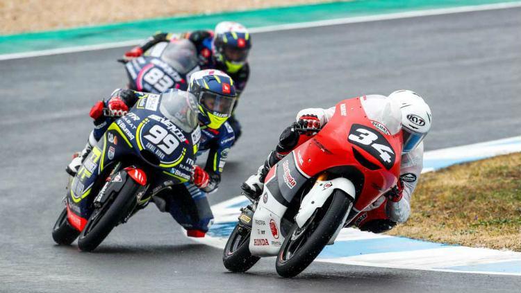 Mario Suryo Aji, salah satu pembalap Indonesia di ajang Cev Moto3 Copyright: motovaganza.com