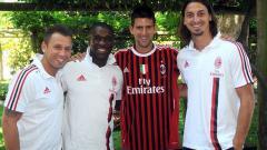 Indosport - Novak Djokovic (dua dari kanan) berfoto bersama bintang-bintang AC Milan.