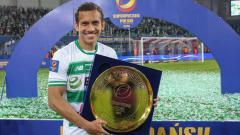 Indosport - Egy Maulana Vikri ketika memegang gelar juara Piala Super Polandia 2019. Foto: lechia.pl