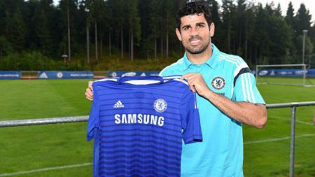 Diego Costa saat resmi ke Chelsea pada 16 Juli 2014 lalu. - INDOSPORT