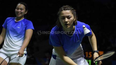 Gronya Somerville berusaha menerima smash dari pasangan Indonesia. Foto Herry Ibrahim/INDOSPORT - INDOSPORT