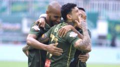Indosport - Selebrasi pemain Tira-Persikabo usai mencetak ke gawang Persija Jakarta. Foto: Instagram@officialpersikabo