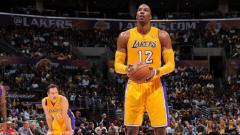 Indosport - Sempat dicap 'pengkhianat', Dwight Howard akhirnya kembali ke LA Lakers.