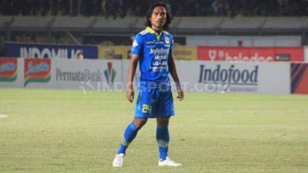 Sedikitnya ada 5 eks Persib Bandung yang mungkin bisa dibawa Kurniawan Dwi Yulianto usai resmi menjadi kepala pelatih Sabah FA, termasuk Hariono. - INDOSPORT