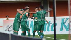 Indosport - Shopee Liga 1, PSS Sleman vs PSIS Semarang, Selebrasi PSS Sleman setelah gol di menit awal.
