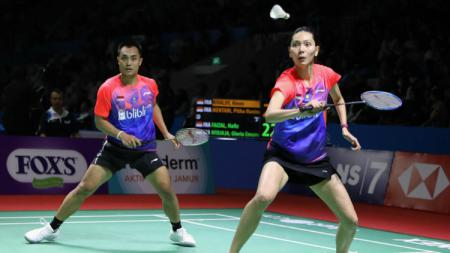 Hafiz Faizal/Gloria Emanuelle Widjaja meraih kemenangan atas wakil Inggris, Chris Adcock/Gabriel Adcock di babak kedua Hong Kong Open 2019 hari ini, Kamis (14/11/19). - INDOSPORT