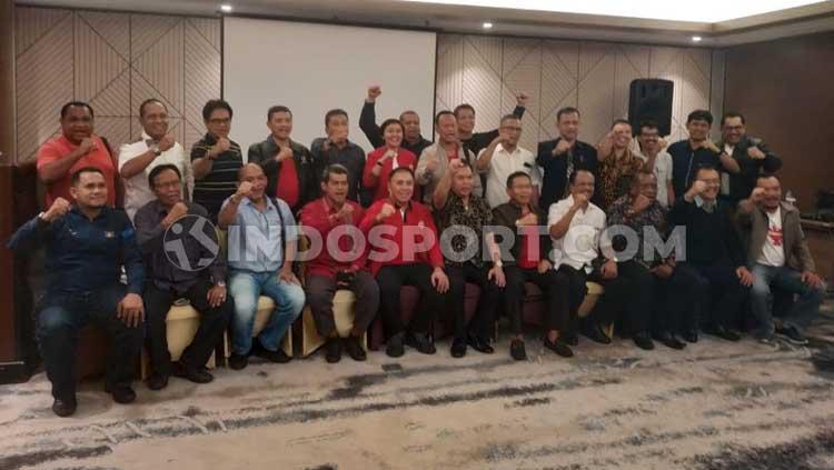Diskusi bertema Ngobrol Bareng Iwan Bule yang membahas sepak bola Indonesia termasuk ke Piala Dunia Copyright: Zainal Hasan/INDOSPORT