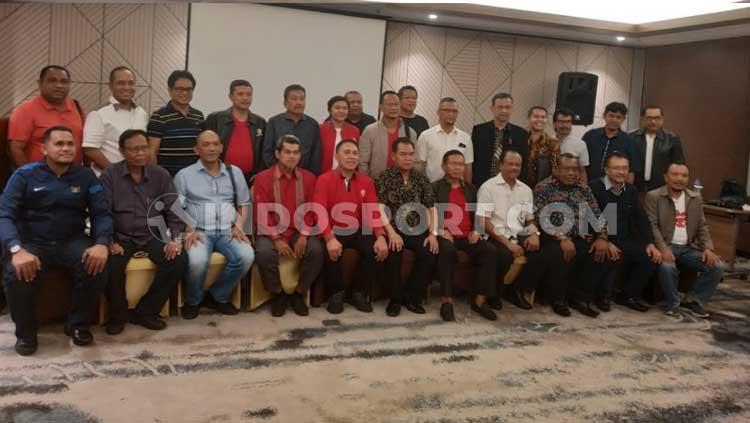 Sejumlah perwakilan dari berbagai klub dan Asosiasi Provinsi tampak hadir dalam acara Ngobrol Bareng Iwan Bule Copyright: Zainal Hasan/INDOSPORT