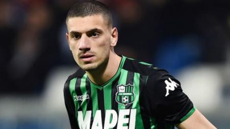 Klub sepak bola Serie A Italia, AC Milan masih tetap berharap bisa mendapatkan pemain lini belakang Juventus, Merih Demiral, pada bursa transfer musim panas 2019. - INDOSPORT