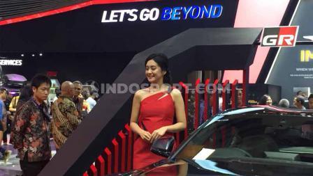 SPG cantik ikut mewarnai acara Gaikindo Indonesia Internasional Auto Show (GIIAS) 2019. Foto: Petrus Manus Da'Yerimon/INDOSPORT