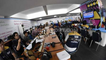 Media Center tempat jurnalis berita olahraga menulis artikel terkait Indonesia Open 2019. Foto: Herry Ibrahim/INDOSPORT