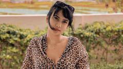 Indosport - Acroyoga dengan Suami di Ranjang, Vanessa Angel Bikin Anaknya Bingung.
