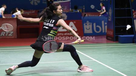 Goh Liu Ying dan Chan Peng Soon berhasil menang tiga set melawan Tontowi Ahmad/Winny Oktavi dengan skor 21-11, 14-21, dan 21-14. Foto: Herry Ibrahim/INDOSPORT